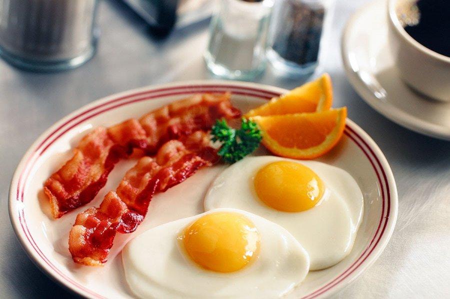 Resultado de imagen de huevos con bacon